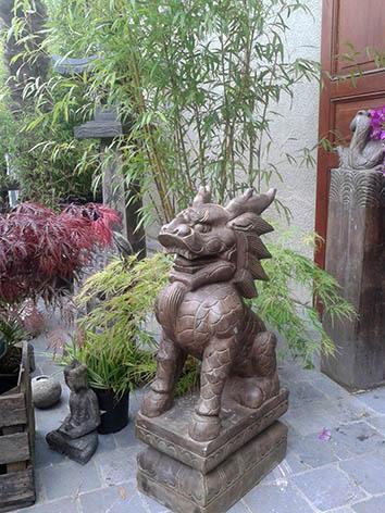 Lil'o bambous - Dragon chinois en pierre