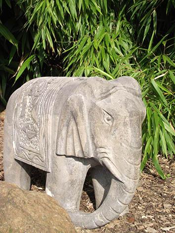 Lil'o bambous - Eléphant en pierre bleue