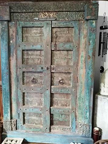 Lil'o bambous - Grande armoire indienne sculptée
