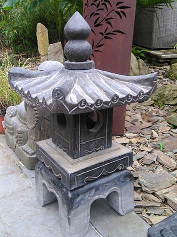 Lil'o bambous - Pagodes asiatiques en pierre toit carré