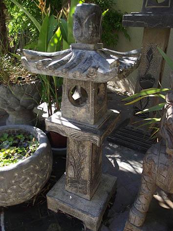 Lil'o bambous - Pagodes chinoises en pierre avec pied carré