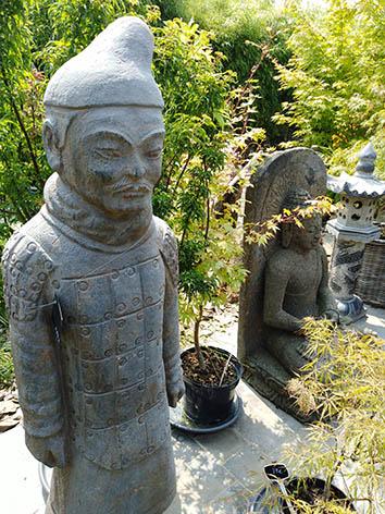 Lil'o bambous - Soldat chinois debout en pierre