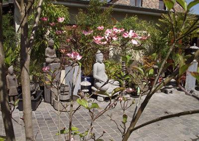 Lil'o bambous - ambiance du jardin - Ambiance de la cour et statues